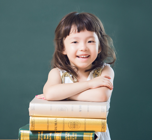 亲子园课程 - 红黄蓝教育机构 - 红黄蓝早教机构